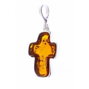 Strieborný prívesok s jantárom Oválny krížik