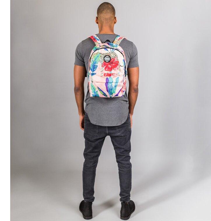 4d534508957af für ein vollkommenes und originelles Outfit Rucksack Gepard hinter Blumen