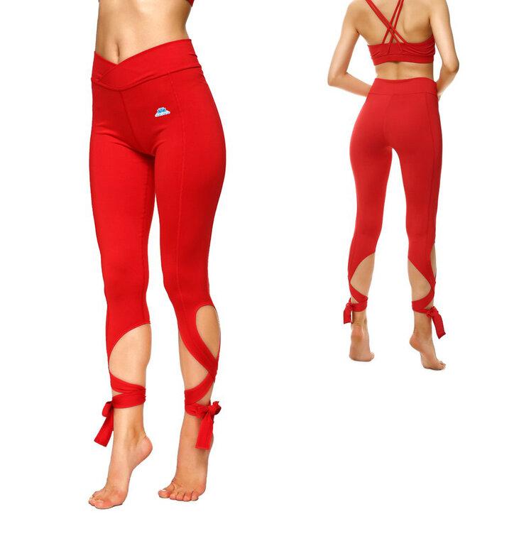 Czerwone wiązane sportowe legginsy