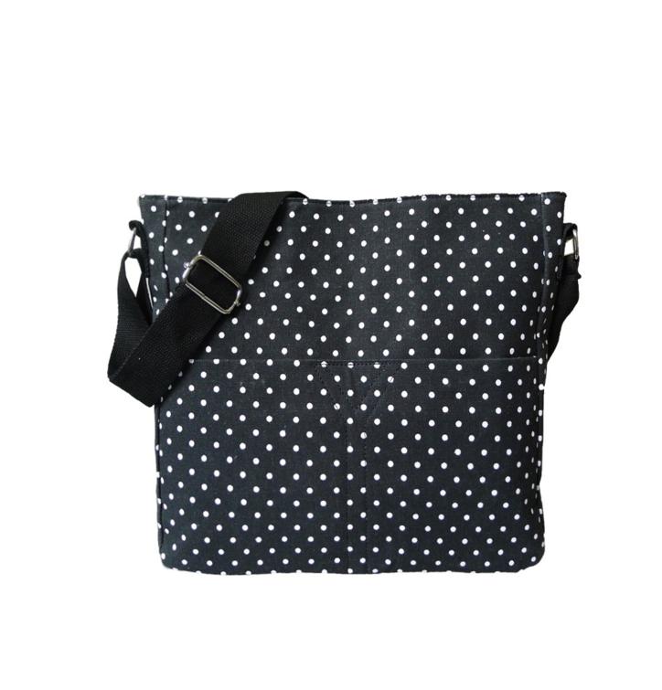 Crossbody čierna taška s bodkami