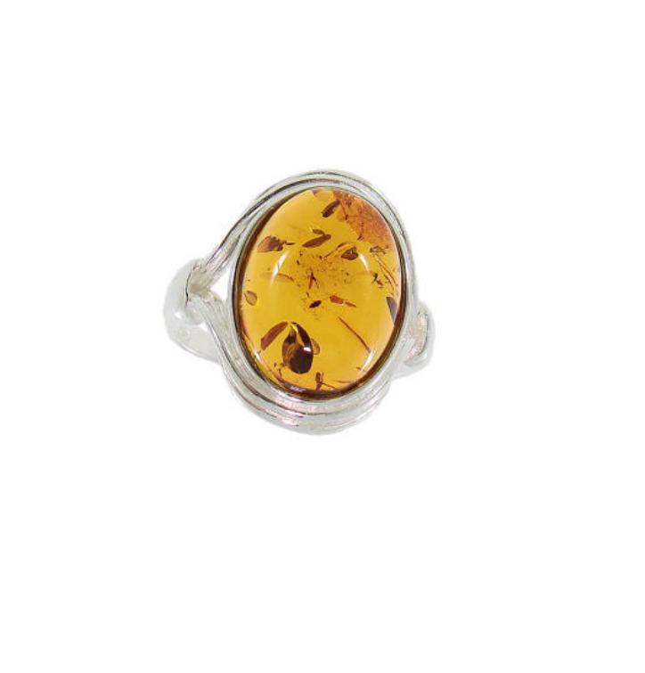 Stříbrný prsten s jantarem gotika