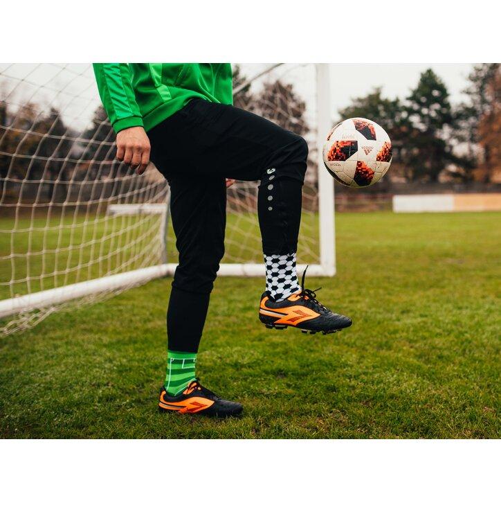 5a3d887fe Potešte sa týmto kúskom Dedoles Veselé ponožky Futbal