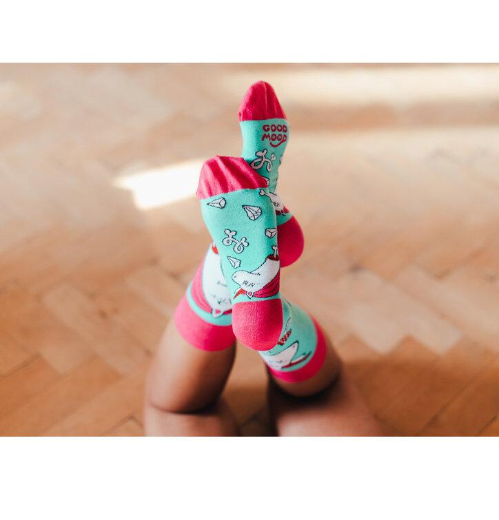 Eredeti és szokatlan ajándékot keres  a megajándékozottat garantáltan  meglepi Vidám zokni Zombi egyszarvú 5ae8205b74