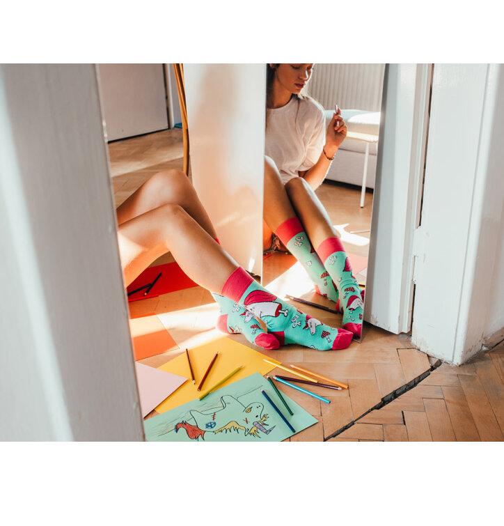 Eredeti és szokatlan ajándékot keres  a megajándékozottat garantáltan  meglepi Vidám zokni Zombi egyszarvú · Kiárusítás Vidám zokni Zombi egyszarvú 36b161e491