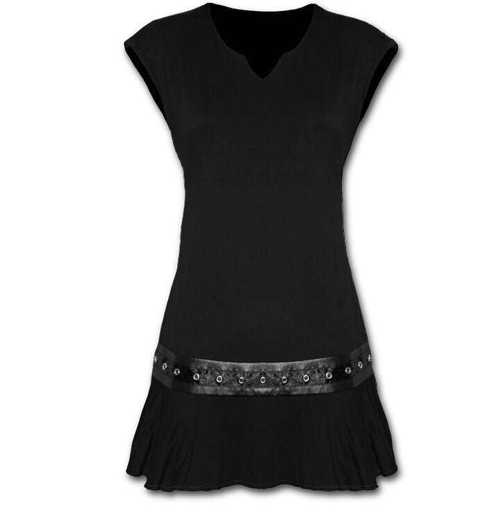 Fekete miniruha övvel