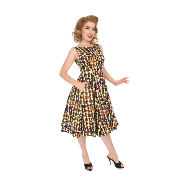 40a4c1974c90 Pre dokonalý a originálny outfit Retro pin up šaty Bodky