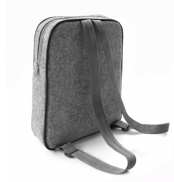 Potěšte se tímto kouskem Dedoles Designový batoh dvě kočky 19125bbe4e