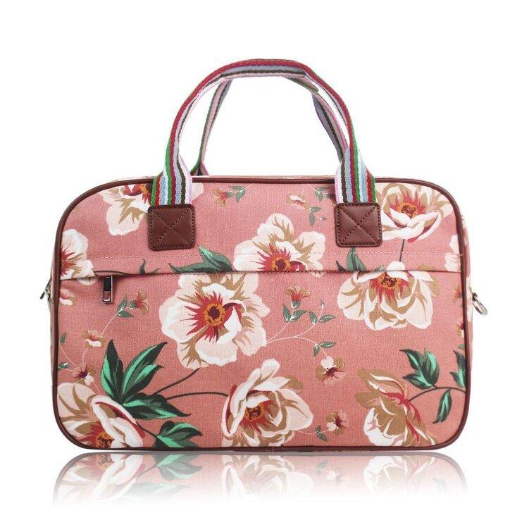 a6300e41ed48 Szerezzen magának örömet ezzel a Dedoles darabbal Nagy utazótáska Pink  floral. Nagy utazótáska Pink floral