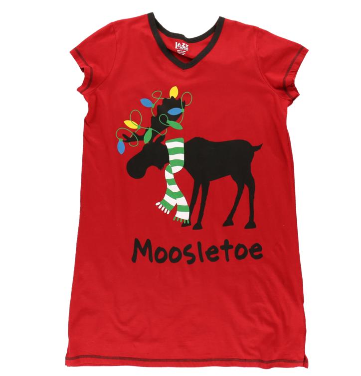 4cf7039e4a59 Výpredaj Dámska nočná košeľa s véčkovým výstrihom vianočný sobík