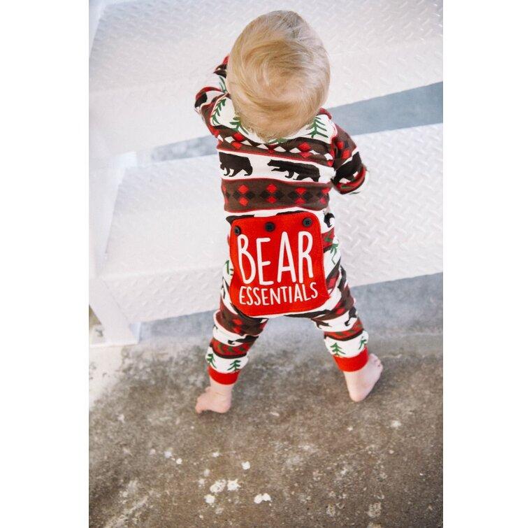 de51a2760a a tökéletes és egyedi ruházathoz Csecsemő pizsama overál Vadászó medve