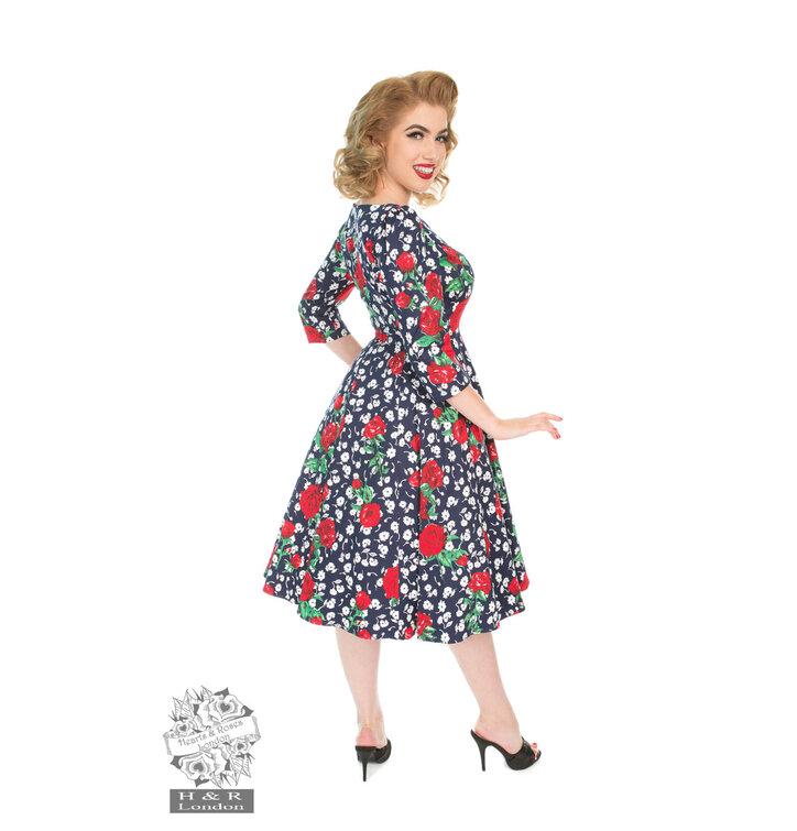 63c6cc7e85ad Výnimočný darček od Dedoles Retro pin up šaty s rukávom Biele a červené  kvety