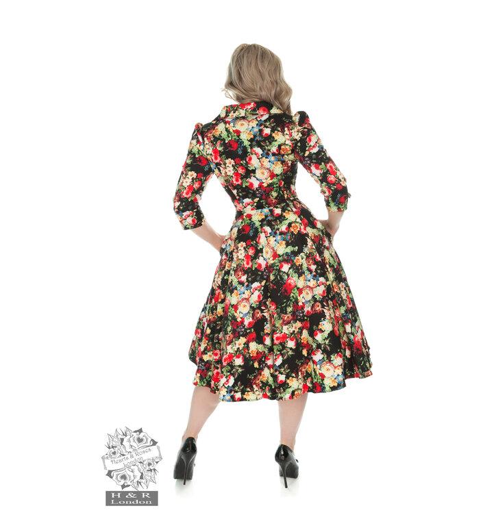 Lifestyle foto Retro pin up šaty s rukávom Letná lúka 90705303c79
