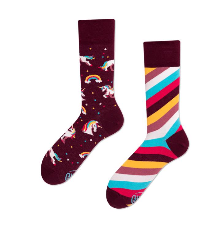 Lustige Socken Einhörner und Regenbogen
