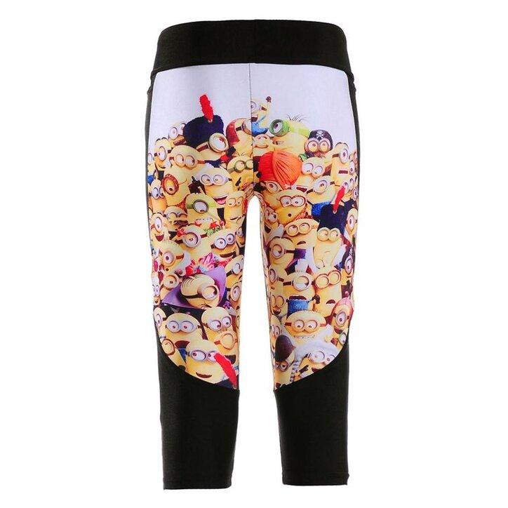 15c98148a0 Lifestyle fotó Női sportos capri leggings Tolvaj segítői