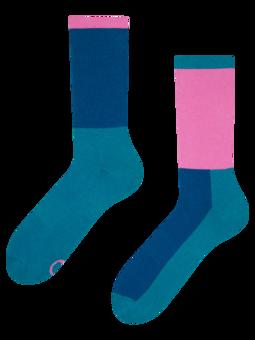Plavozelene i ružičaste sportske čarape