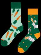 Lustige Socken Kaninchen und Karotte