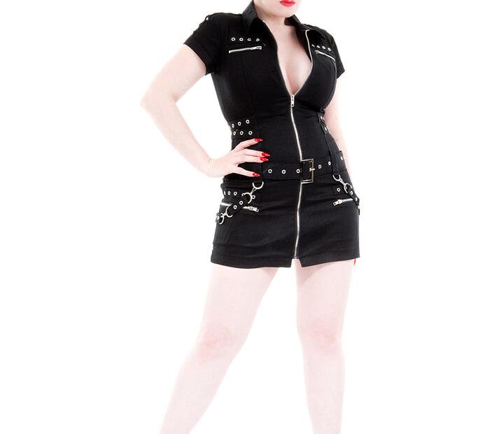 Čierne krátke punkové šaty