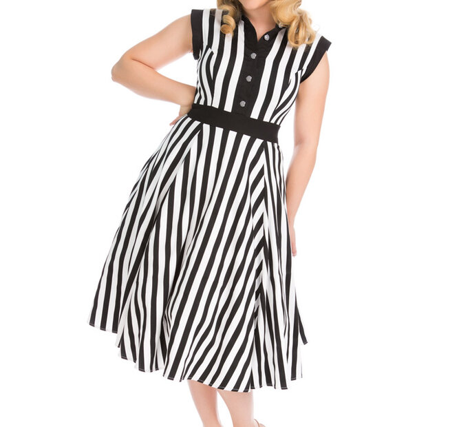 Čierno-biele pásikavé retro pin up šaty