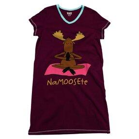 Dámska nočná košeľa s véčkovým výstrihom Namaste