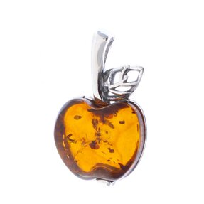 Strieborný prívesok s jantárom Zlaté jablko