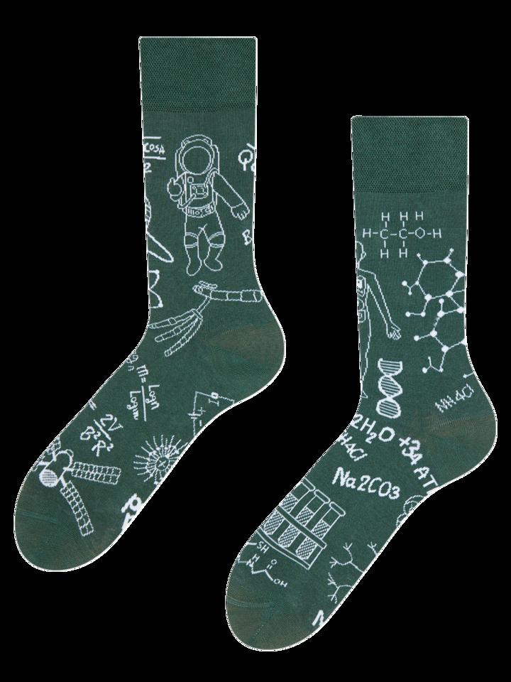 für ein vollkommenes und originelles Outfit Lustige Socken Physik gegen Chemie