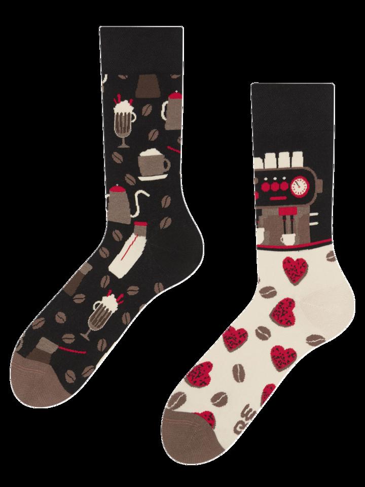 Hľadáte originálny a nezvyčajný darček? Obdarovaného zaručene prekvapí Veselé ponožky Kaviareň