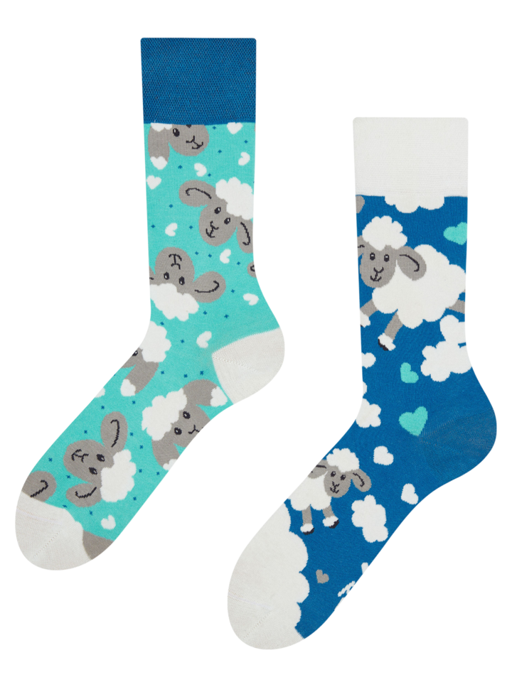 Looking for an original and unusual gift? The gifted person will surely surprise with Regular Socks Sheep & Clouds