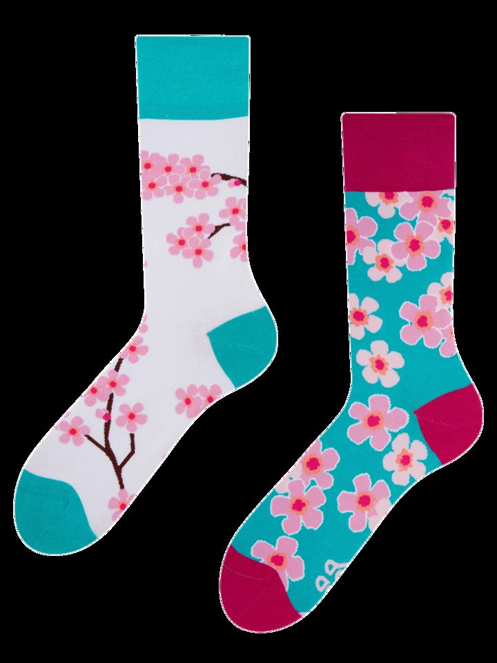 für ein vollkommenes und originelles Outfit Lustige Socken Sakura