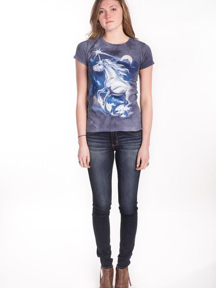 Suchen Sie ein originelles und außergewöhliches Geschenk? überrascht den Beschenkten sicher Damen T-Shirt Stern über Einhörner