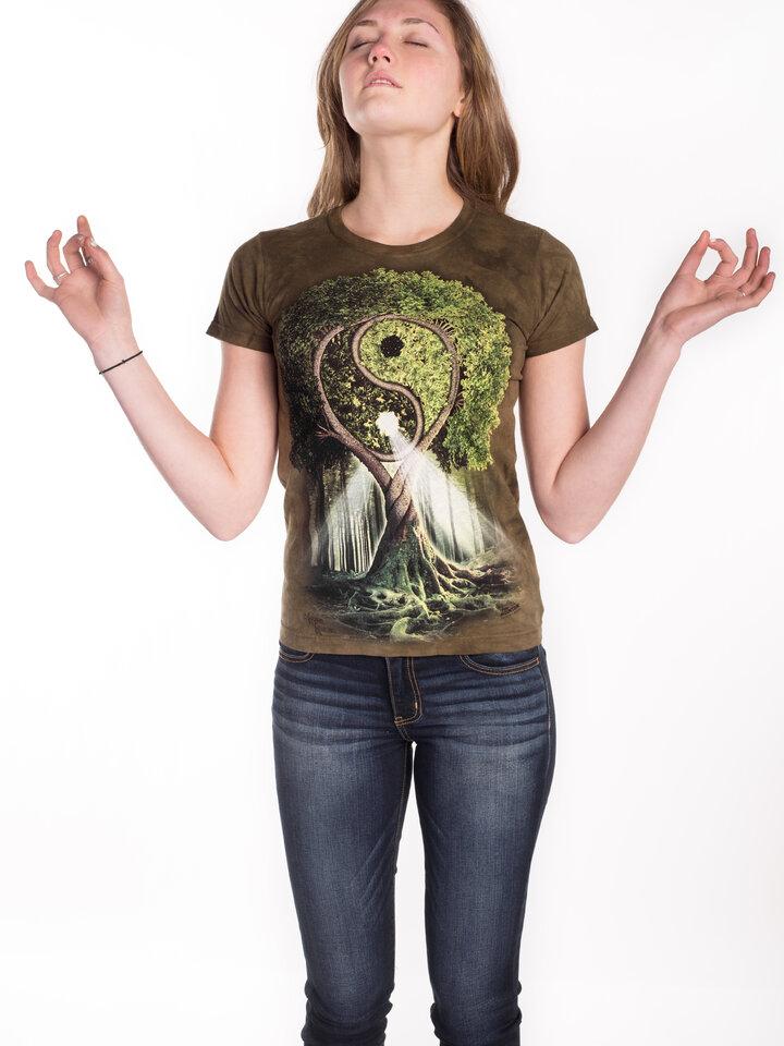 Lifestyle-Foto Damen T-Shirt Yin Yang Baum