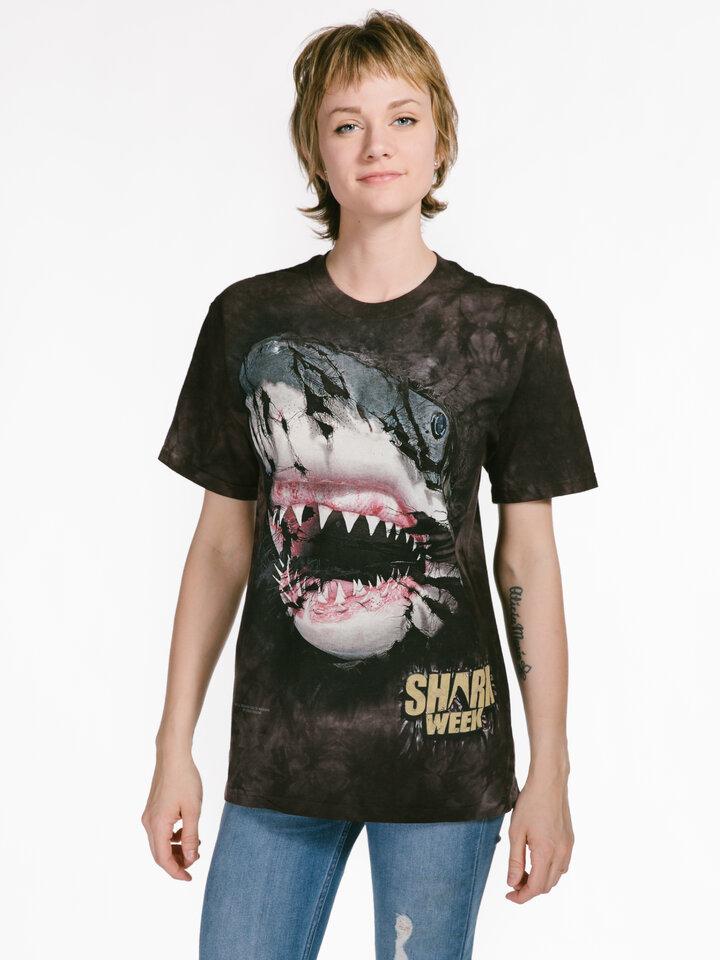 Faceți-vă o bucurie cu acest produs Dedoles Shark Week Breakthru T Shirt