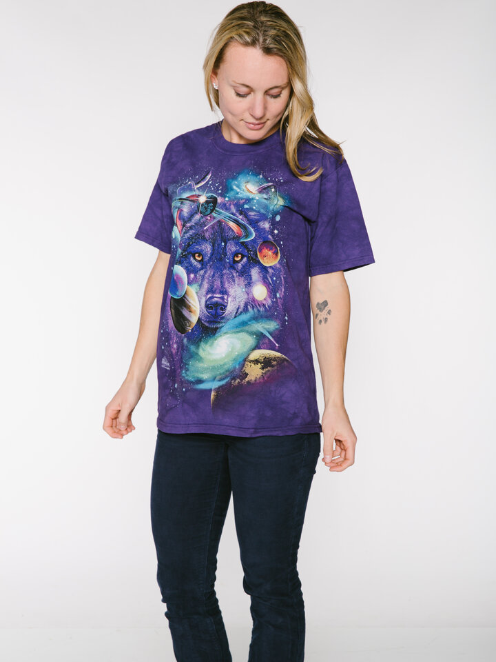 Faceți-vă o bucurie cu acest produs Dedoles Tricou Wolf of the Cosmos