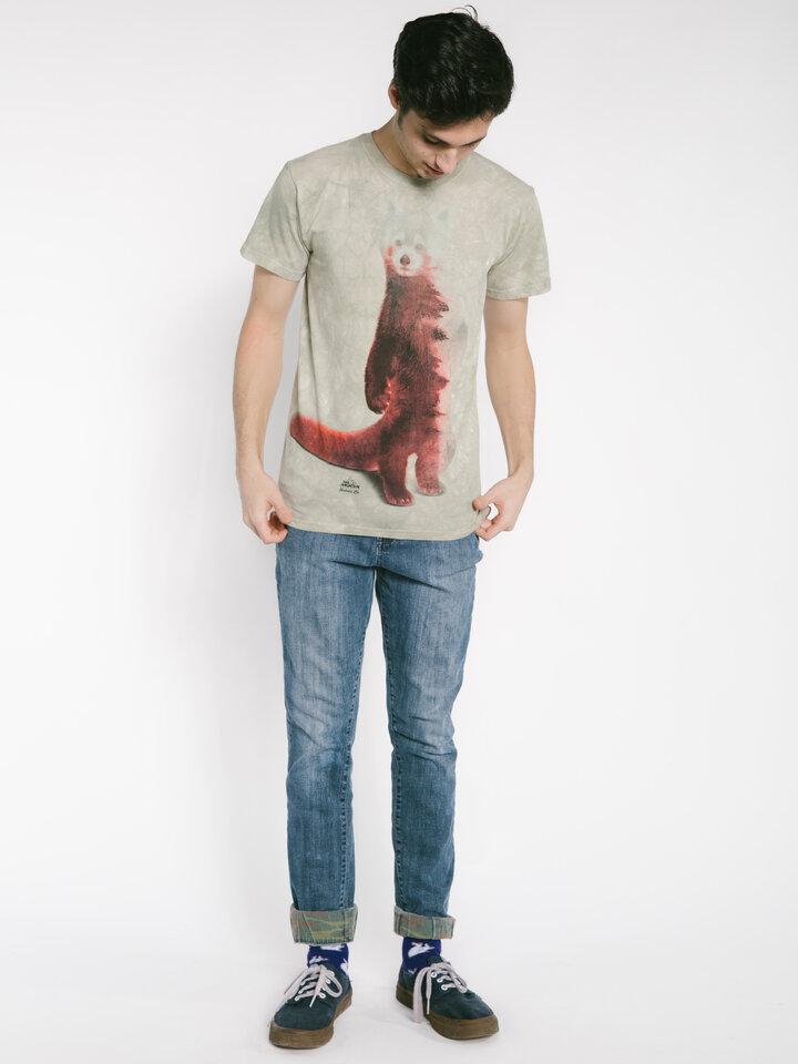 Suchen Sie ein originelles und außergewöhliches Geschenk? überrascht den Beschenkten sicher T-Shirt Roter Panda und Wald