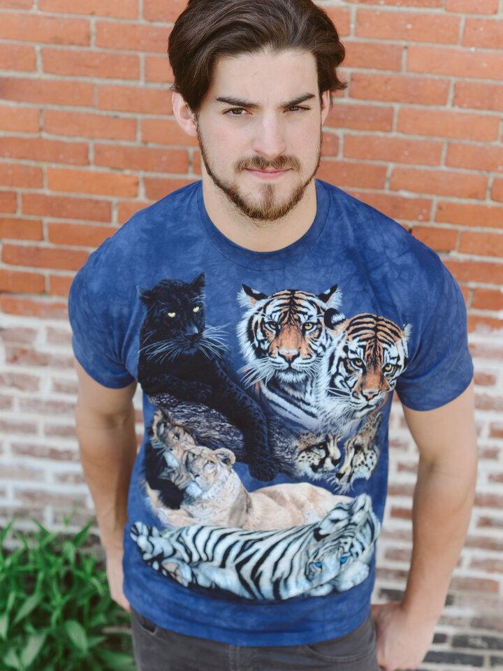 a tökéletes és egyedi ruházathoz Nagymacskák kollázs póló