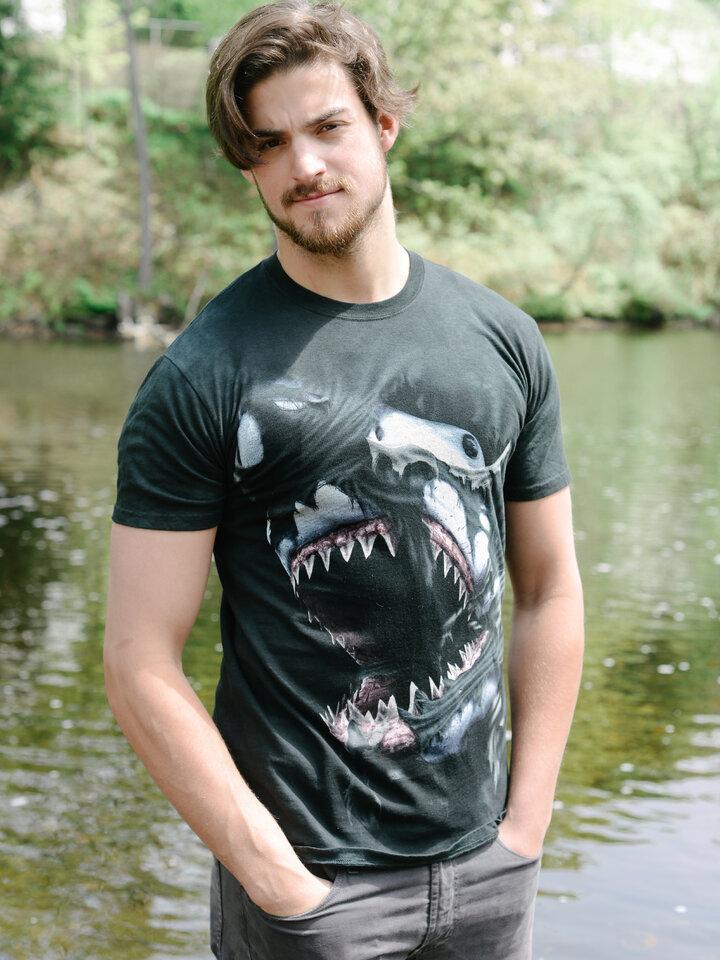 Bereiten Sie sich Freude mit diesem Dedoles-Stück T-Shirt Wütender Haifisch