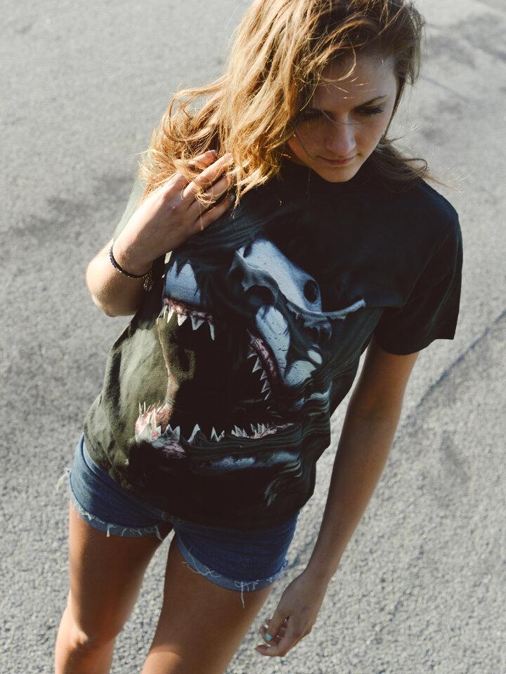 Ausverkauf T-Shirt Wütender Haifisch