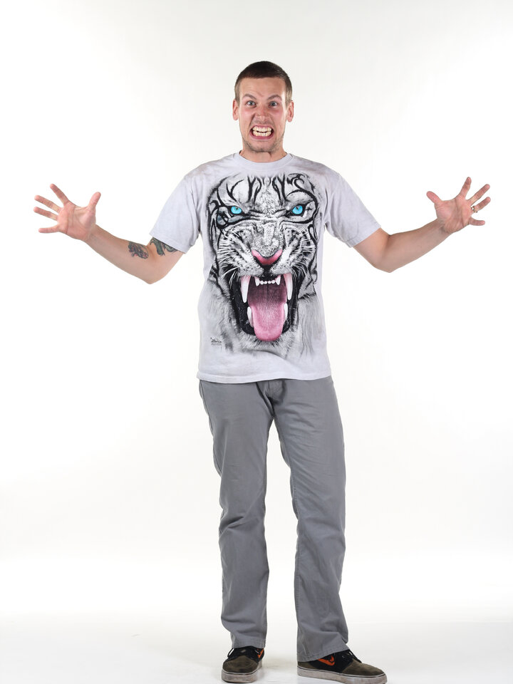pentru outfit-ul perfect Big Face Tribal White Tiger