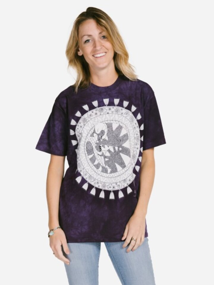Looking for an original and unusual gift? The gifted person will surely surprise with Mandala Colouring T-shirt Sleeping Cat