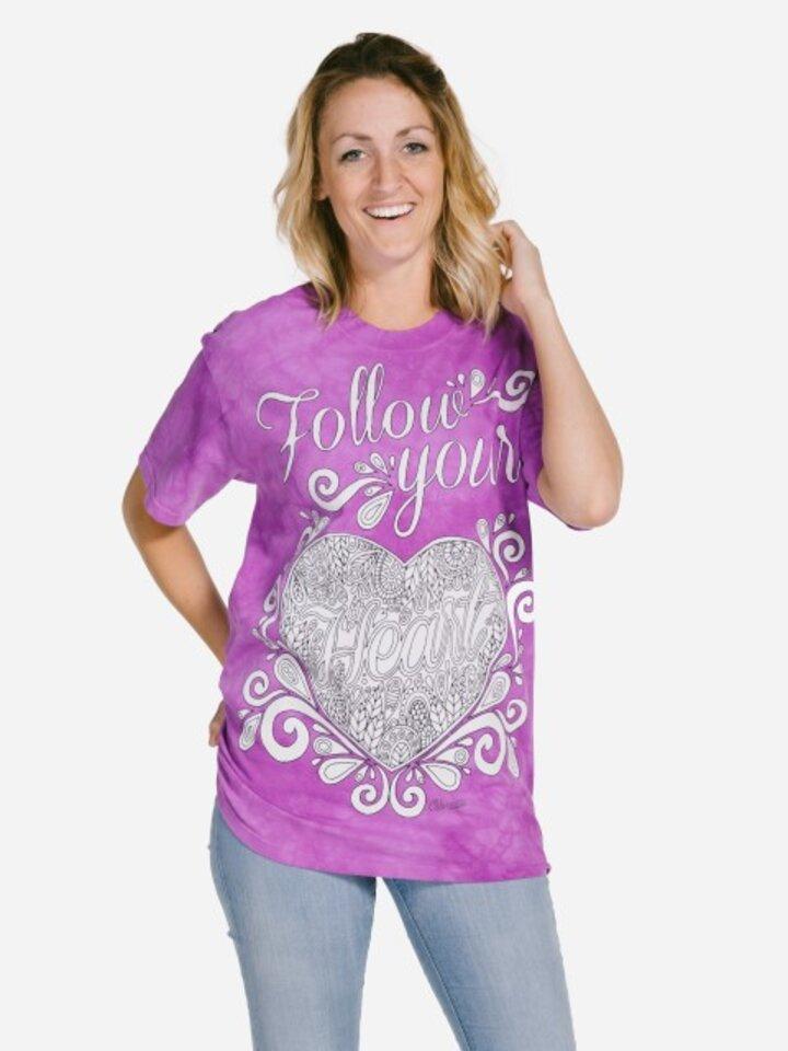 Hledáte originální a neobvyklý dárek? Obdarovaného zaručeně překvapí Mandala vybarvovací tričko Následuj své srdce
