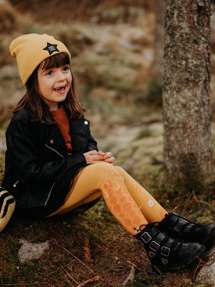 Potěšte se tímto kouskem Dedoles Veselé dětské punčošky Včelí plást