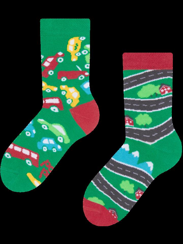 Potešte sa týmto kúskom Dedoles Vesele dječje čarape Autići