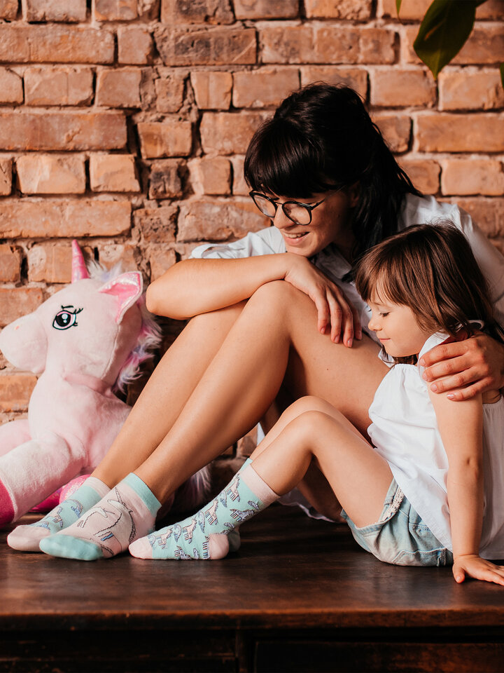 Looking for an original and unusual gift? The gifted person will surely surprise with Kids' Socks Unicorn