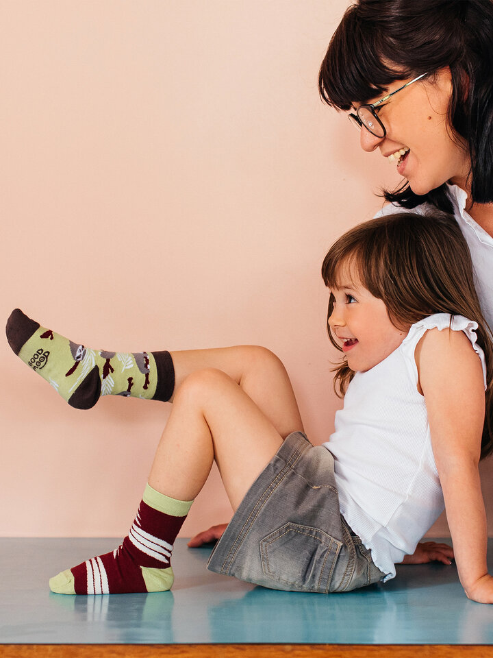 Pre dokonalý a originálny outfit Chaussettes rigolotes pour enfantsParesseux