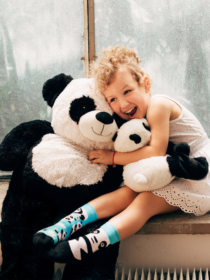 Looking for an original and unusual gift? The gifted person will surely surprise with Kid's Socks Panda