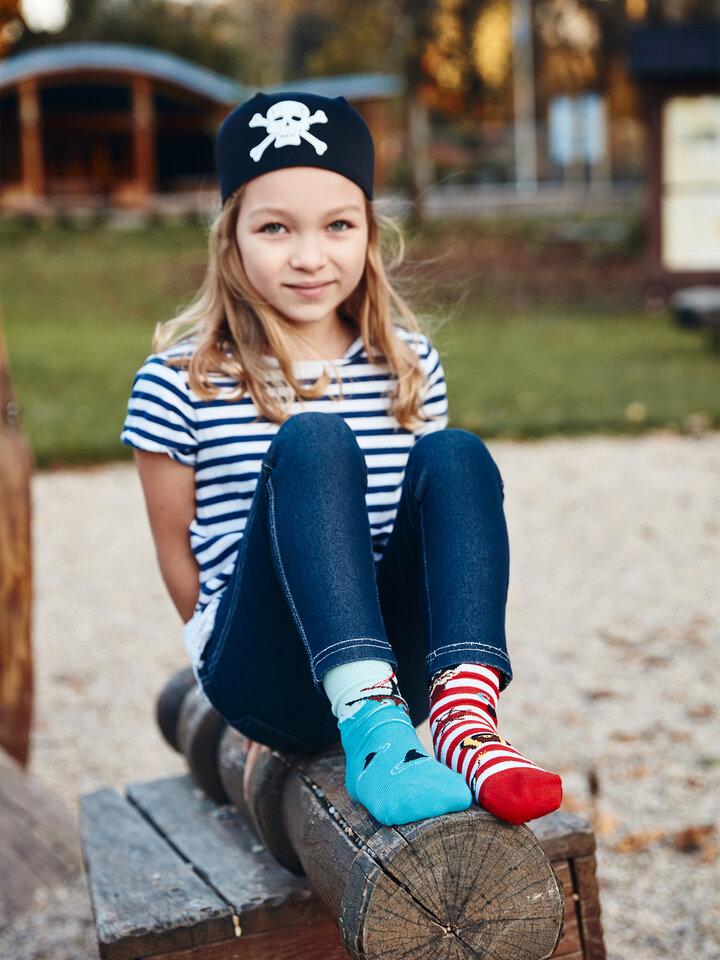 für ein vollkommenes und originelles Outfit Lustige Kindersocken Pirat
