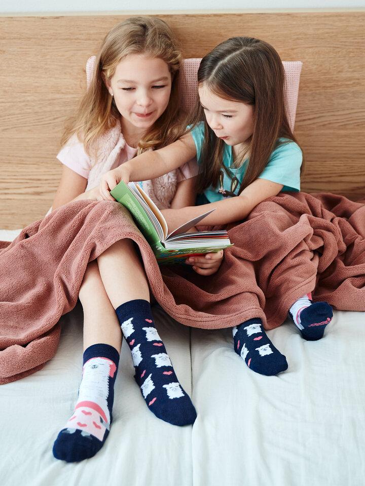 Pre dokonalý a originálny outfit Vesele dječje čarape Ljama spava