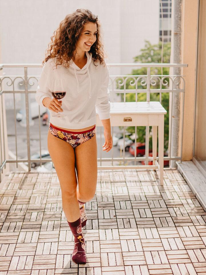 für ein vollkommenes und originelles Outfit Lustige Höschen für Frauen Rotwein