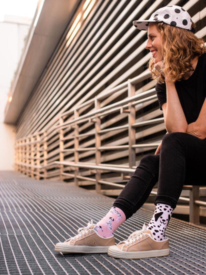Potešte sa týmto kúskom Dedoles Good Mood Eco Friendly Socks Pink Dalmatians