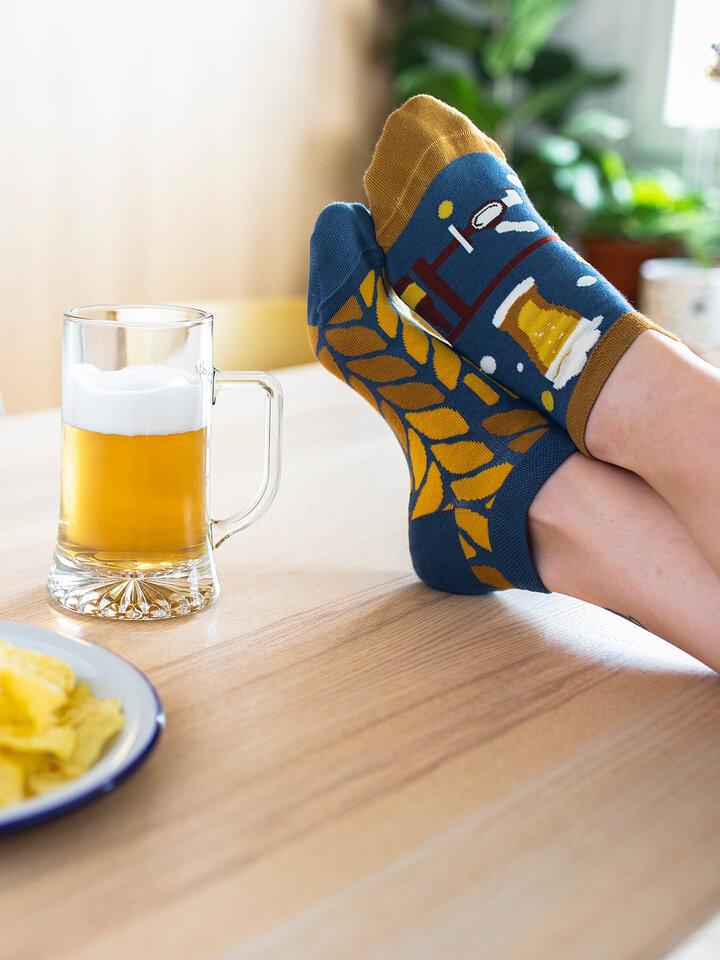 Potešte sa týmto kúskom Dedoles AnkleSocks Beer Time