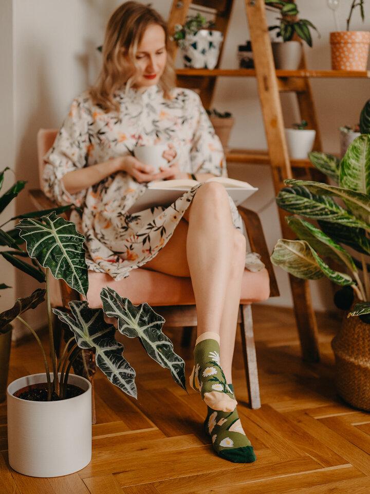 Výpredaj Členkové veselé ponožky Kamilkový čaj